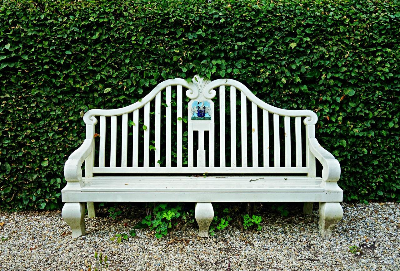 Kiedy warto kupować meble ogrodowe?